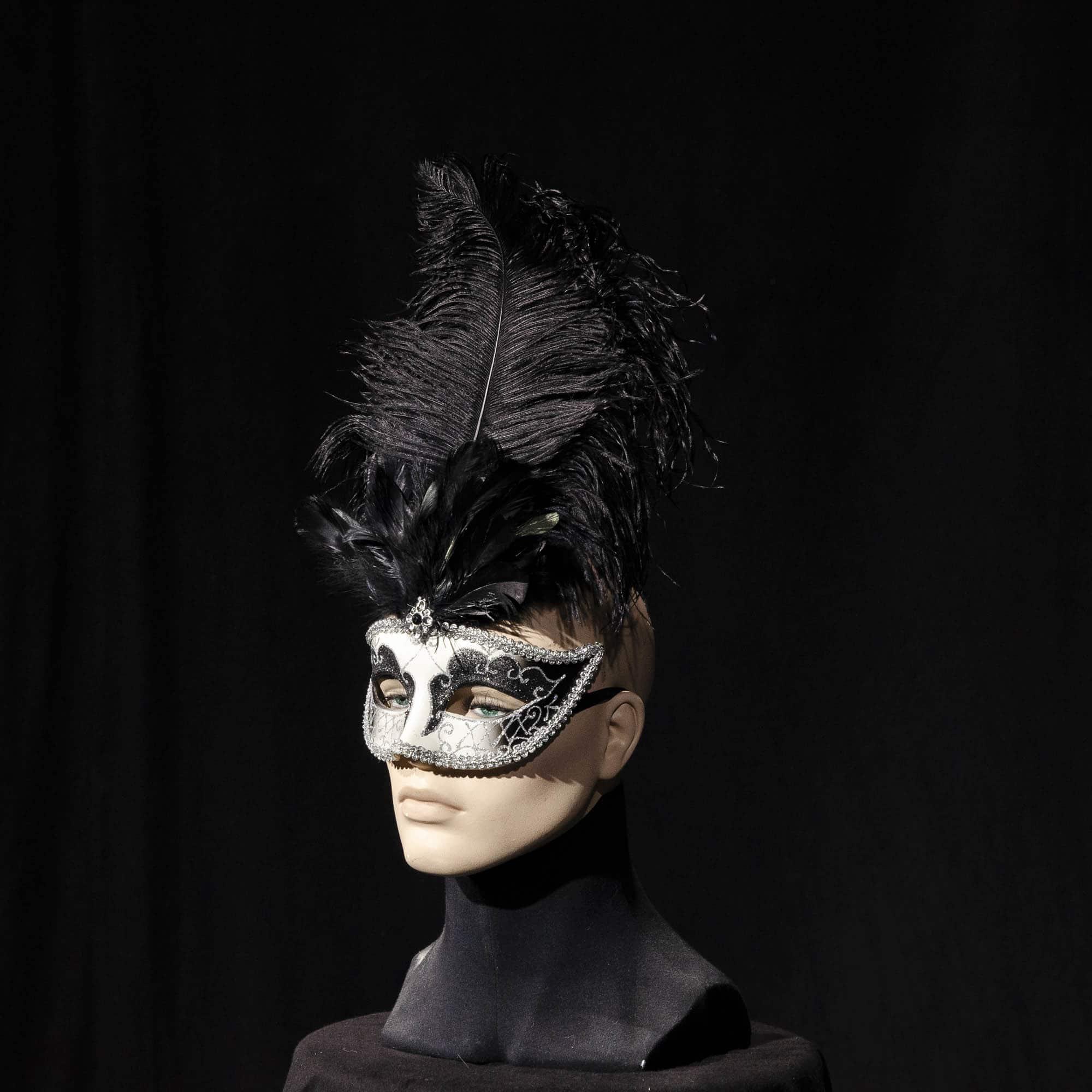 Maske mit Federn AC010