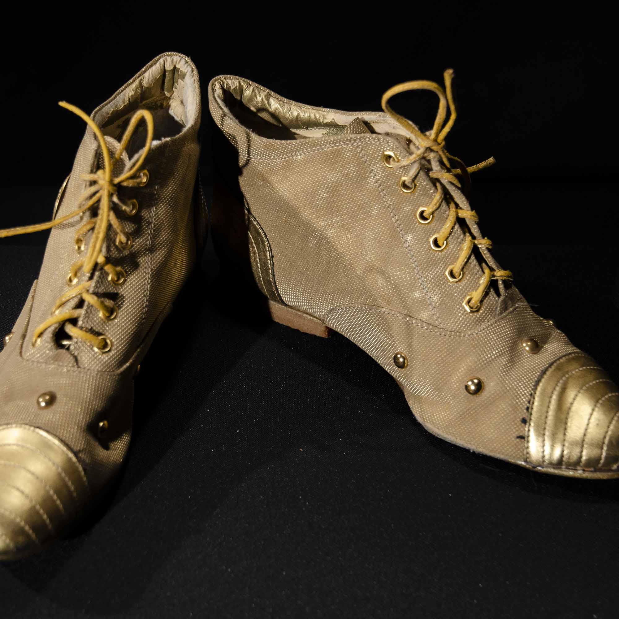 Geschlossene Schuhe SD022